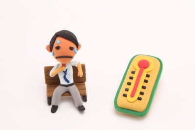 夏のサラリーマン熱中症対策メンズスーツのジャケットは暑い
