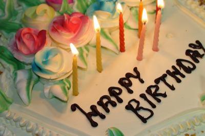 記念日や誕生日プレゼントのサプライズな渡し方2つの体験談