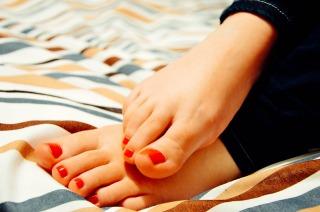 足の冷え性の解消と対策グッズ5本指ソックス効果