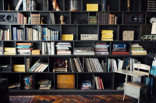 本が捨てられない人に本棚の整理方法で小説も漫画もすっきり